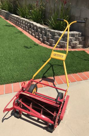 McLane manual lawn mower excellent condition for Sale in San Diego, CA