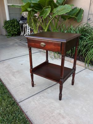 """VINTAGE ACCENT TABLE W/ DRAWER 17.5""""W×14.5""""D×25""""H for Sale in Corona, CA"""