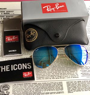 Ray ban 3025 gold frame blue lens 58mm for Sale in Wheeling, IL