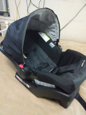 Infant Car Seat and Base for Sale in Sulphur, LA