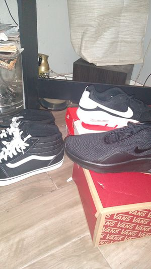 Nike Air maxes, and Vans for Sale in LOS RNCHS ABQ, NM