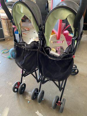 Double Stroller- delta children for Sale in Pompano Beach, FL