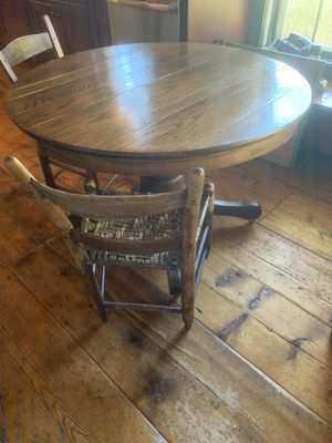 Early American Pedestal Breakfast table/2 chairs for Sale in Nashville, TN