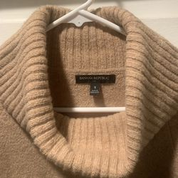 Banana Republic Beige Sweater (size: Small) for Sale in Ontario,  CA