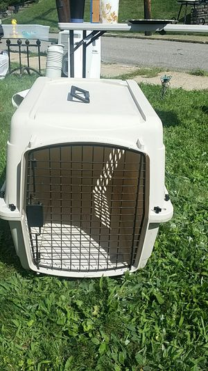 Dog kennel for medium sized dog for Sale in Pittsburgh, PA