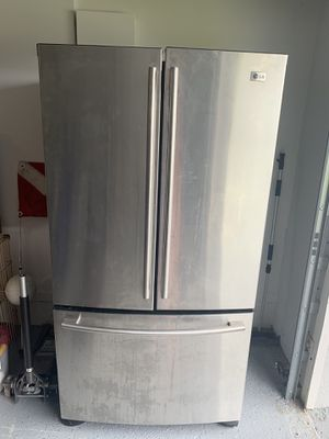 LG French Door Fridge for Sale in West Palm Beach, FL
