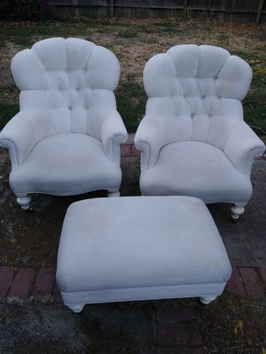 FLAWLESS.. VINTAGE 3 PIECE.. WHITE... BEAUTIFUL..$300 OBO.. WORTH MORE for Sale in Stockton, CA