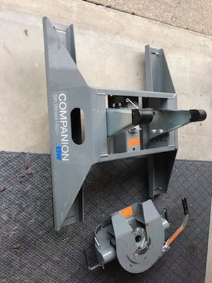 Companion 5th wheel hitch for Sale in Kingsburg, CA