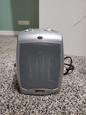 Lasko Ceramic Electric Heater for Sale in Chicago, IL