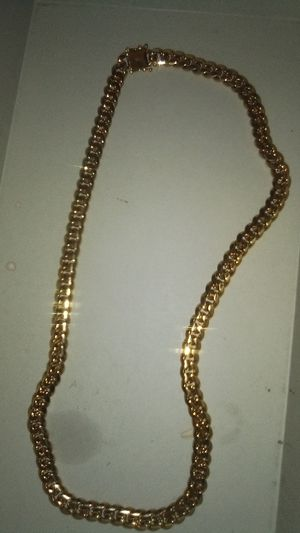 14k Gold chain & Authentic Gucci shoes for Sale in Burleson, TX
