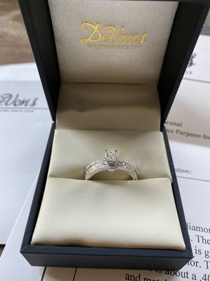 Engagement ring & 2matching wedding bands sz7.5 for Sale in Fresno, CA