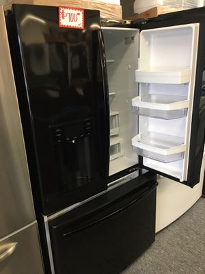 """GE-36"""" black French refrigerator working perfectly with 4 months warranty for Sale in Beltsville, MD"""