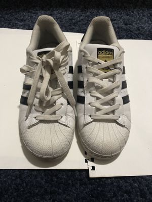 Adidas white sneaker size us women 5 for Sale in Queens, NY