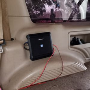Alpine Amplifier That I Was Using For My Midland High Can You Use For Sub And Midland High Excellent Condition Never Lift My Truck for Sale in Houston, TX