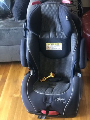 Car seat. Bought 1 year ago. Good condition. for Sale in Federal Way, WA