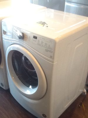 New open box whirlpool front load washer 4.2 cu ft WFW7590FW for Sale in Downey, CA