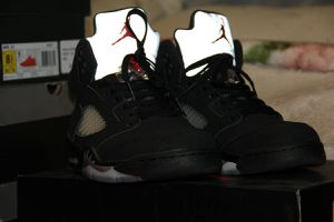 Nike Jordan 5 Retro Metallic 2016 for Sale in San Diego, CA
