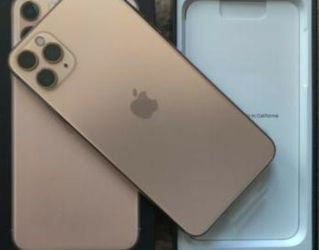 Iphone 11 Pro Max-Gold for Sale in Cleveland,  OH