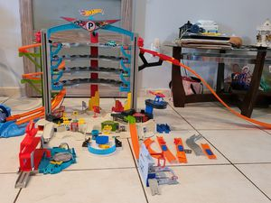 HOT WHEELS GARAGE for Sale in Hialeah, FL