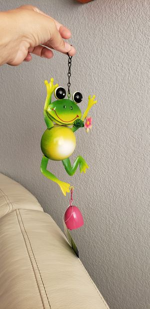 Brand new frog wind chime with pink bell great for garden/backyard or in a window for Sale in Ontario, CA