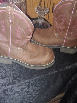 Womans Justin Boots. Size 7 1/2 for Sale in Ocala,  FL