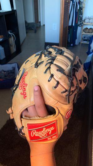 Rawlings 1st basement glove 13 inches for Sale in Hialeah, FL