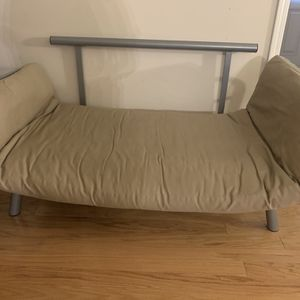 Couch With Adjustable Sides for Sale in Duluth, GA