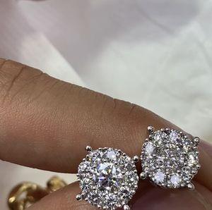 14k 2.50 CT DIAMOND EARRINGS for Sale in Brooklyn, NY
