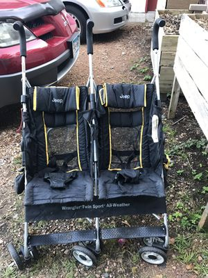 Keep double umbrella stroller for Sale in Excelsior, MN