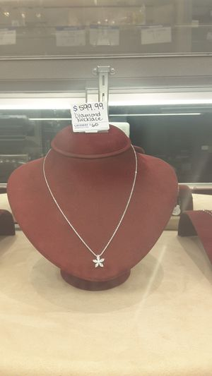 Diamond flower necklace for Sale in Chicago, IL