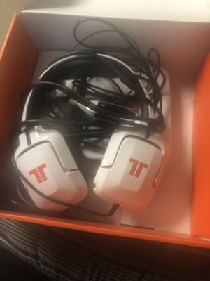 Tritton Gaming Headphones White 720+ for Sale in Fresno, CA