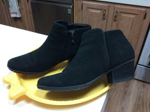 Women's boots for Sale in Kissimmee, FL