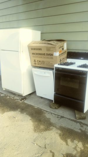 Kitchen appliances for Sale in McKees Rocks, PA