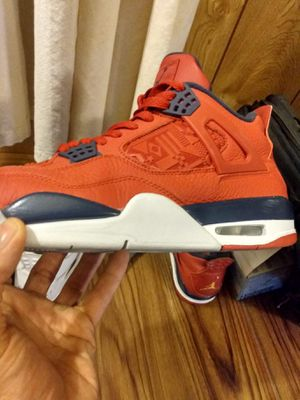 Jordan retro4s size 11 has white lace red lace and 2 black lace authentic real for Sale in Phoenix, AZ