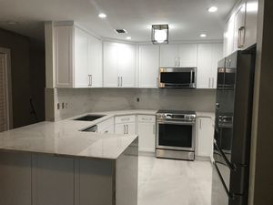 Kitchen cabinets $2595.00 for Sale in Hialeah, FL