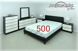 6 pieces bedroom set for Sale in Hialeah, FL