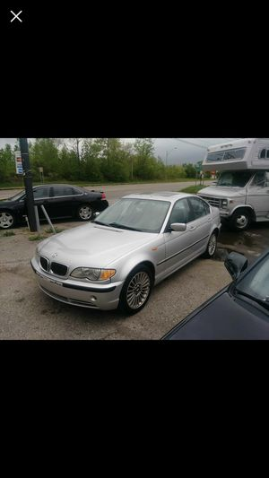 Bmw 3 series 330xi AWD sedan 4d for Sale in Flint, MI