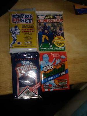 4 packs of new 1990 NFL CARDS for Sale in Raleigh, NC