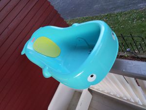 Free Bath tub for Sale in Elgin, IL