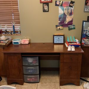 Cherry Wood Desk for Sale in West Palm Beach, FL