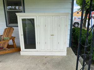 Tv Cabinet for Sale in Bethel, PA