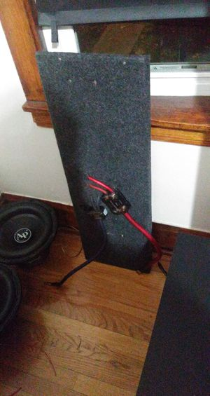 12s/batterysforspeakers/boxforspeakers for Sale in Chicago, IL