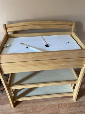 Diaper changing table for Sale in Orlando, FL