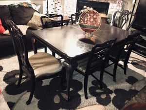 Stunning dining set for Sale in Blue Springs, MO