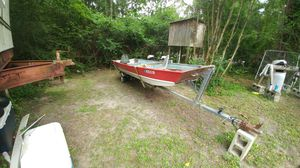 16 ft flatbottom.runs great!! for Sale in Vancleave, MS