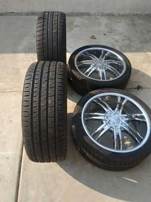 I have 4 tires rim 18 f rom toyota camry 5 nuts for Sale in Oceanside, CA