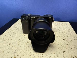 SONY A6000 for Sale in Rockford, IL
