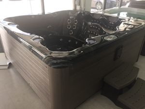 Vita Spas- Rendezvous Hot Tub for Sale in Cutler Bay, FL