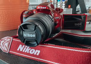 NIKON D5200 for Sale in Westminster, CO