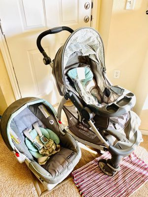 Graco click connect stroller and car seat for Sale in Englewood, CO